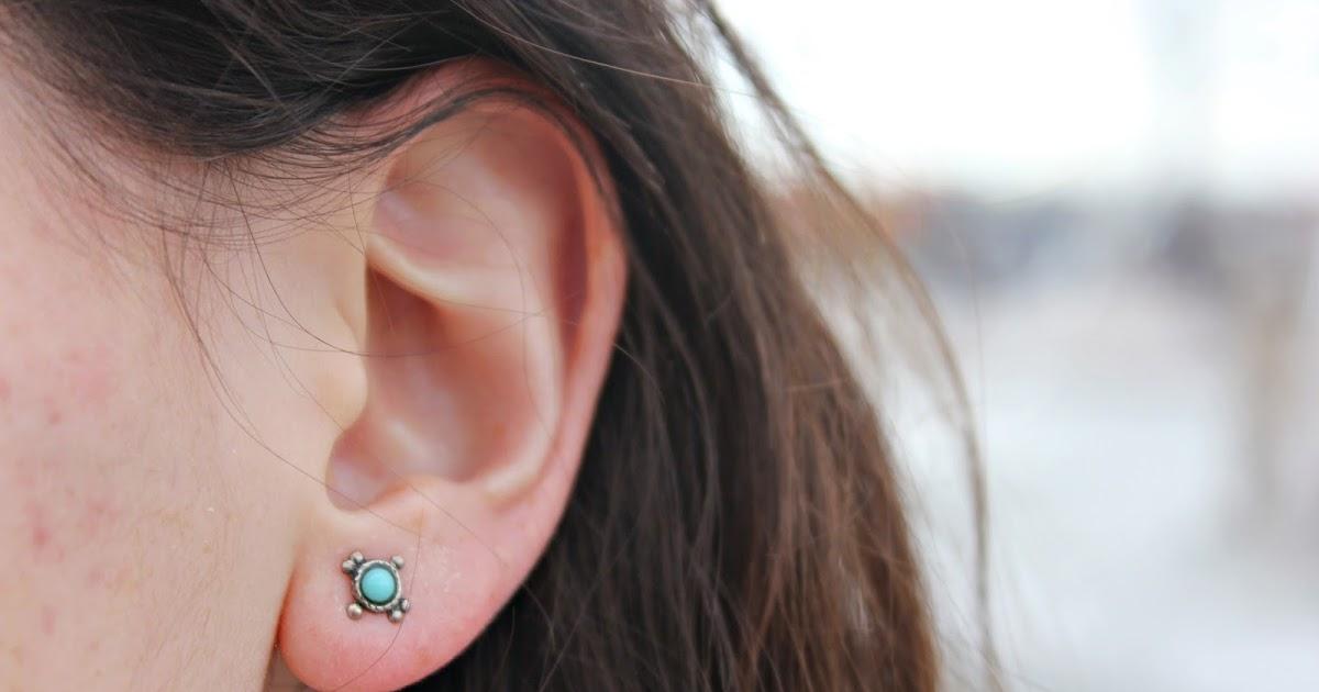 2 of a kind nos tatouages et piercings - Tatouage derriere oreille douleur ...