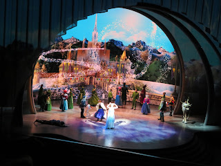 Finale Frozen Live at the Hyperion Disney California Adventure