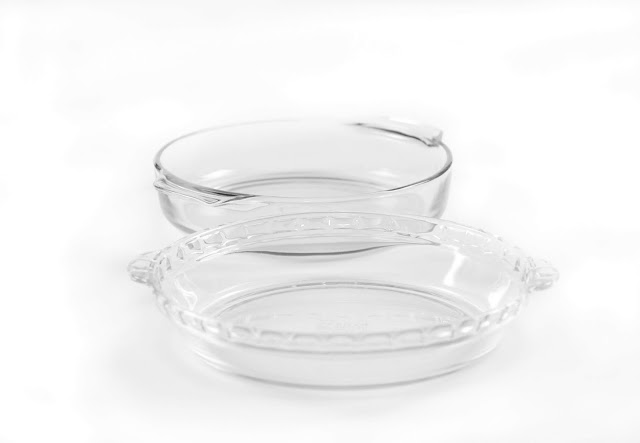 Clear glass pyrex and fire king pie plates.