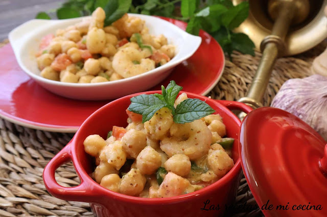 Ensalada de garbanzos con salsa VILAMARIT