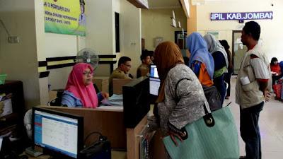 Alat Perekam Minim Penyebab Antrian Panjang e-KTP di Jombang