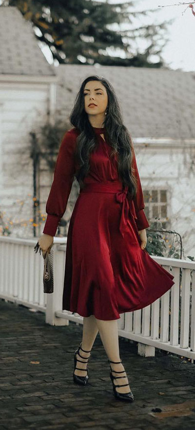 Bowknot satin dress in wine | Find sexy valentines day clothes and valentines day fashion. 31+ Cute Valentines Day Outfits for Every Type of Date. Valentine style via higiggle.com #valentine #fashion #outfits #love