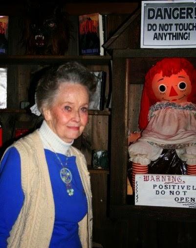 Lorraine Warren Verdadeira Boneca Annabelle