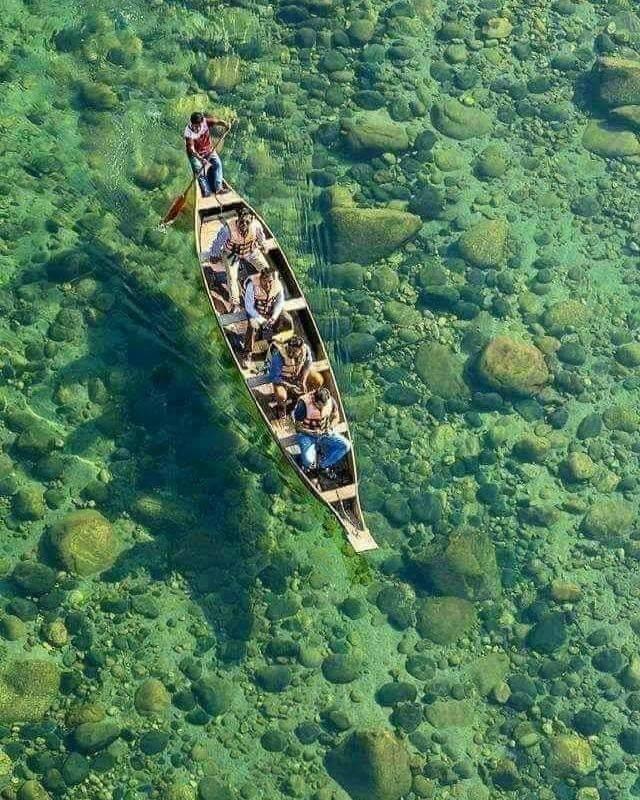 cleanest river in the world- पानी इतना पारदर्शी की जमीन पर पड़ा सिक्का दिखाई देता है