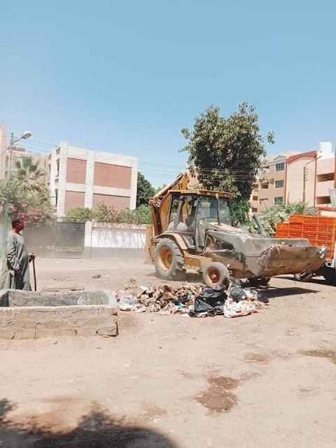 مراكز محافظه المنيا تواصل حملات النظافة خلال أيام العيد.
