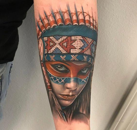 Imagen de un tatuaje de india nativa