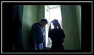 복도에서 담배피다 두놈에게 끌려가 겁탈 러시아 소녀