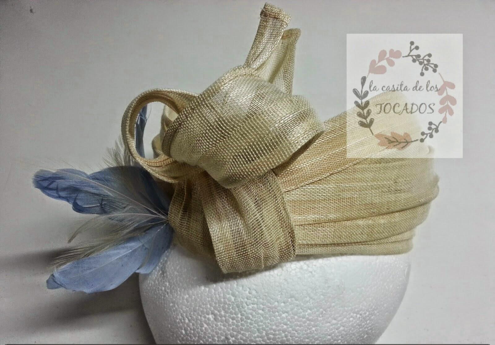 turbante artesanal para boda en color beige