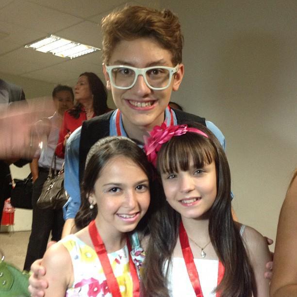 Renan Cuisse com Kiane Porfirio e Larissa Manoela 9267c14177