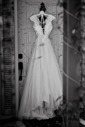 Siz hiç eski nişanlınızın düğününde misket oynadınız mı?