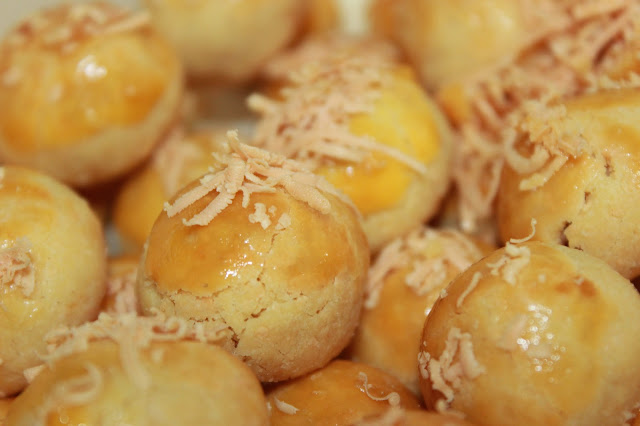 Kue nastar isi selai nanas yang dijamin suka oleh semua keluarga
