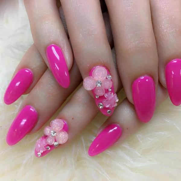 3D ,floral, reindeer nail design