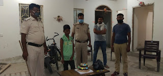 begusarai-police-celebrate-children-birthday