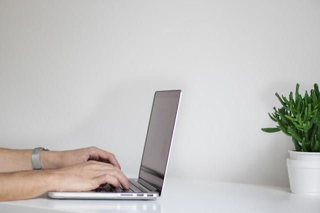 Menulis artikel blog mendapatkan uang sambil tiduran