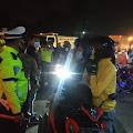 Ratusan Kendaraan Pemudik Diputar Balikan Petugas di Pos Penyekatan Tanjungpura Karawang