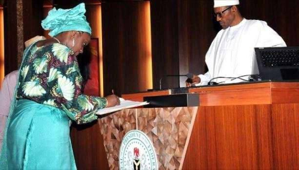 Breaking: Buhari places ban on Forex black market