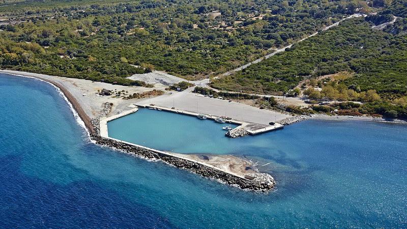 Κλειστό παραμένει το λιμάνι των Θέρμων Σαμοθράκης παρά τις διαβεβαιώσεις του κ. Δούκα