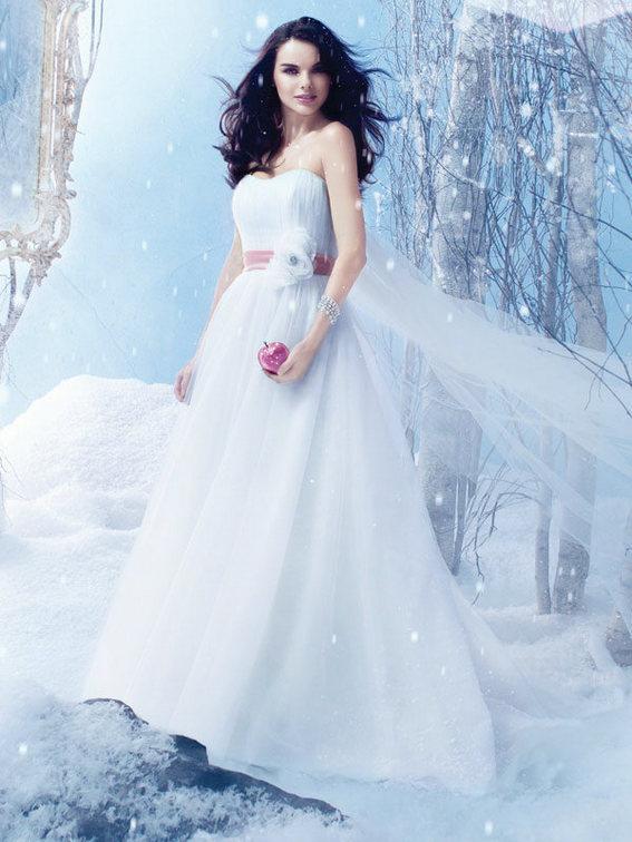13 Best Snow White Wedding Dresses | Wedding Celebration
