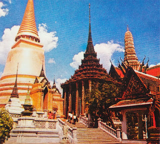 Foto Kuil Budha Wat Phra Keo di Bangkok