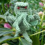 https://elzeblaadje.files.wordpress.com/2014/04/mini_thulhu_amigurumi_crochet_pattern-2.pdf