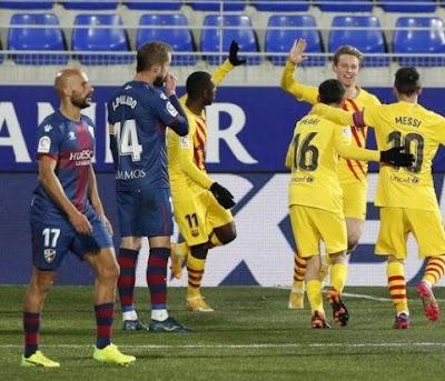 برشلونة يفوز أمام هويسكا بهدف نظيف