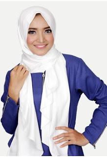 Jilbab Instan Warna Putih Anak Muda