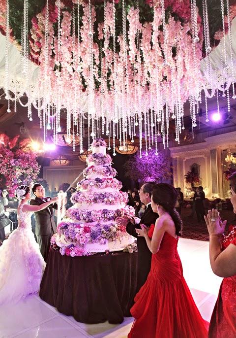 Mẫu bánh cưới đẹp lộng lẫy và cầu kỳ cho tiệc cưới