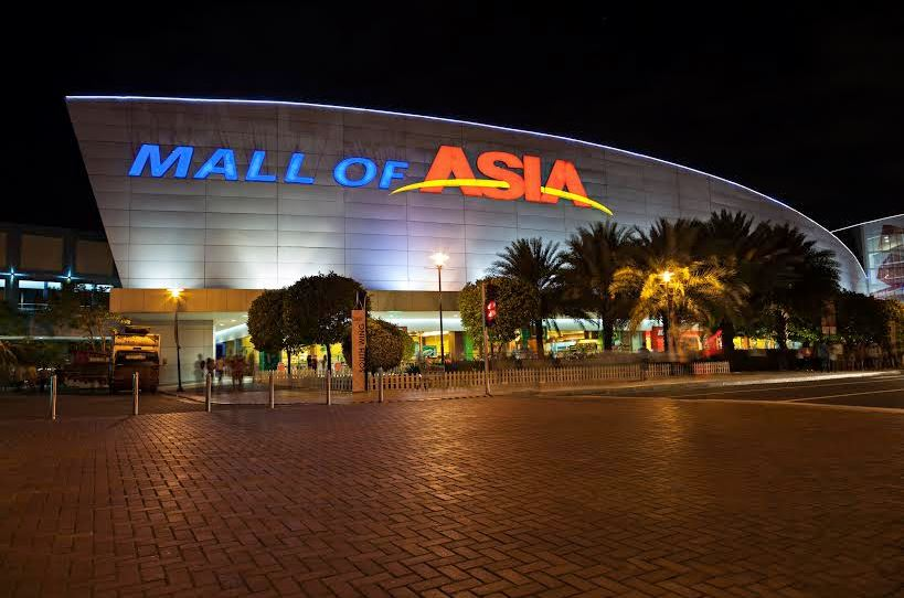 SM Mall of Asia was then the biggest mall in the world.