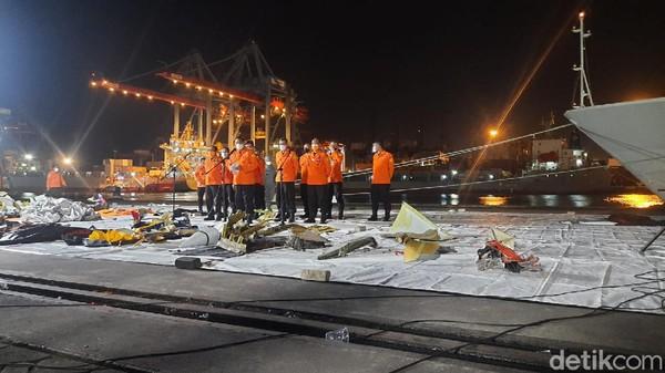 Kabasarnas: Total Ada 45 Kantong Jenazah Korban SJ182 hingga Malam Ini
