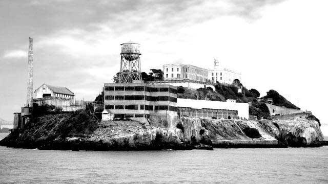 Hantu Lubang Alcatraz