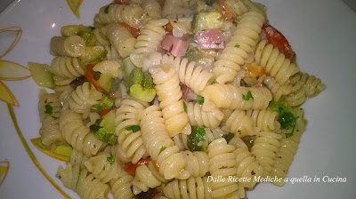 Pasta con pachino zucchine e speck