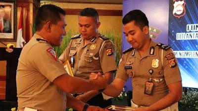 Dirlantas Polda Banten Berikan Apreasiasi Kepada Personel Polantas Berprestasi