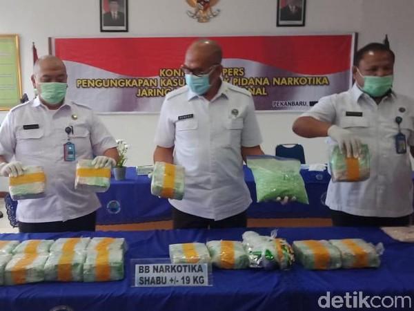 BNN: Kurir Sabu 19 Kg Jaringan Malaysia di Riau Dapat Upah Rp 15 Juta
