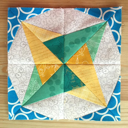 Twirl Quilt Block - Tutorial + Free Pattern