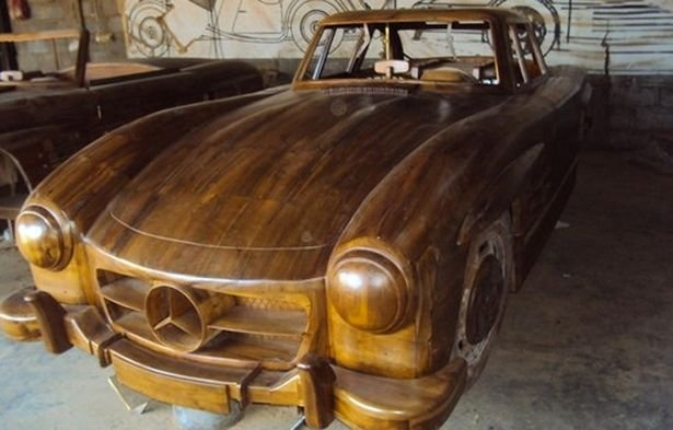 01-1955-Mercedes-Benz-300SL-Gullwing-in-Wood-www-designstack-co