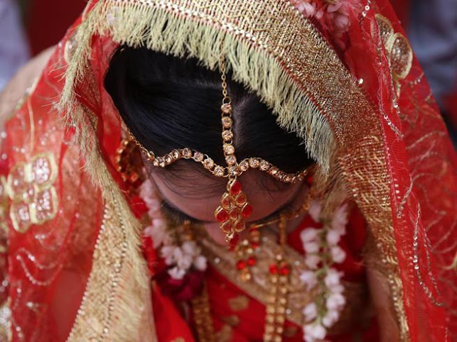 India, la sposa muore durante il matrimonio: la famiglia la sostituisce con la sorella