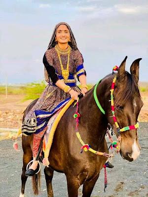 Geeta Rabari new song photo shoot images