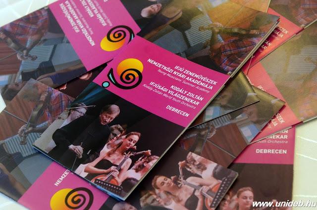 Az egyéni kurzusokon kívül az évről évre újjáalakuló Kodály Zoltán Ifjúsági Világzenekar is az akadémia idején készül nyári turnéjára, ebben az évben Vásáry Tamás vezetésével és Bolyky Zoltán fiatal karmester asszisztenciájával. A zenekar koncertprogramjának különlegessége, hogy Vásáry Tamás felkérésére a fiatal zongorazseni, Berecz Mihály játékában is gyönyörködhet a közönség.