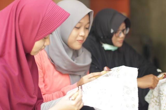 Batik Cahaya dari Desa Untuk Indonesia