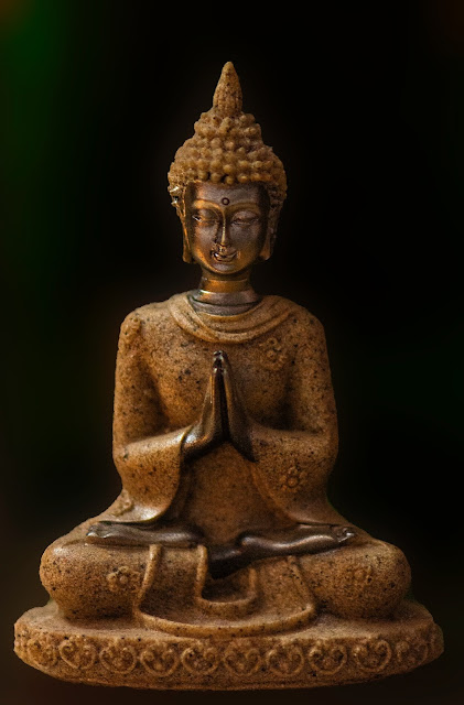 The Enlightened Buddha and his 8fold path
