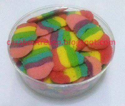 Gambar Resep Kue Kering Lidah Kucing Pelangi Rainbow Renyah Sederhana Spesial Asli Enak