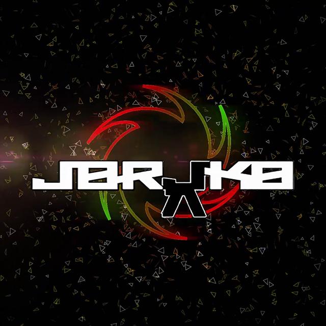 Imagen oscura con partículas flotantes y el logotipo del DJ Jorjako en medio
