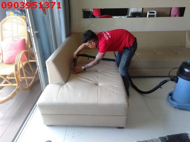 ve sinh sofa quan 7