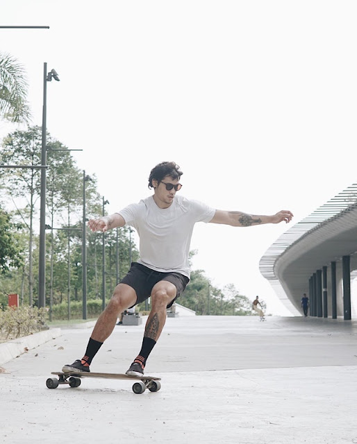 Aaron Chan - surfskate pro