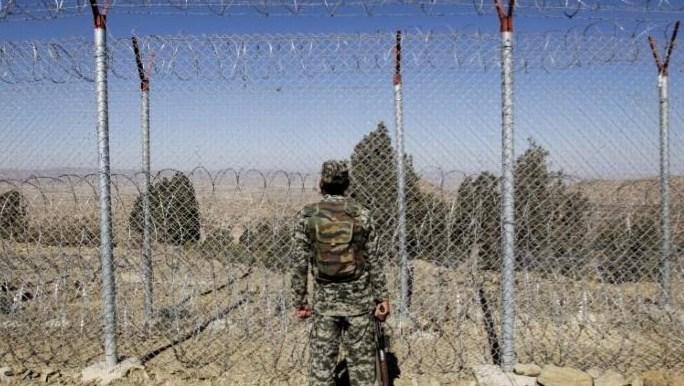 استشهد جندي وأصيب أربعة في انفجار عبوة ناسفة على طول الحدود الباكستانية الأفغانية: