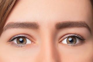 شكل العيون المبطنة بصور