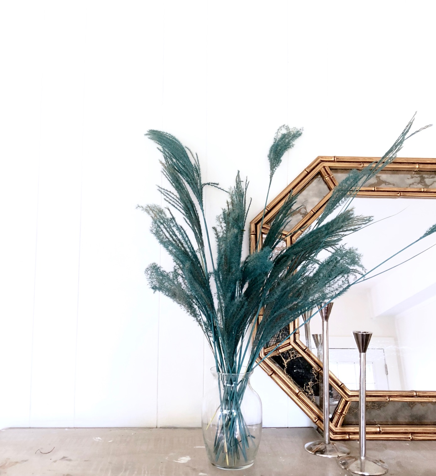 painted-pampas-grass-decor-krylon-harlow-and-thistle