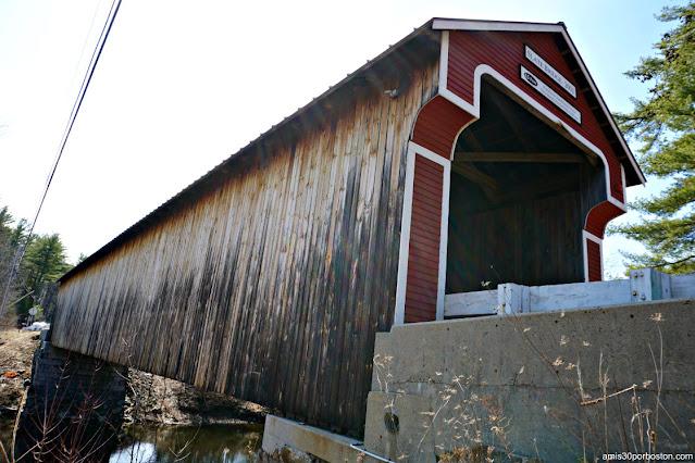 Slate Covered Bridge en Swanzey, New Hampshire