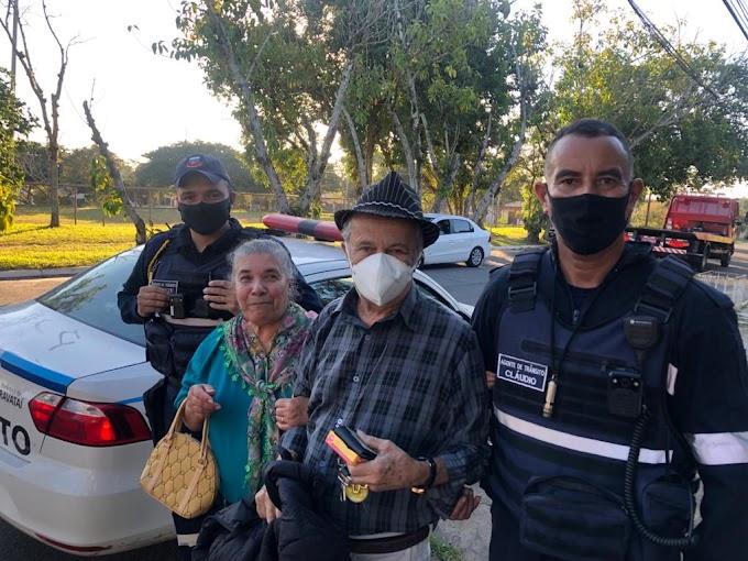 GRAVATAÍ   Carro de idosos pega fogo e eles recebem ajuda dos Fiscais de Trânsito