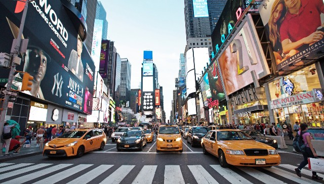 times-square-poracci-in-viaggio-credit-to-nyc-company